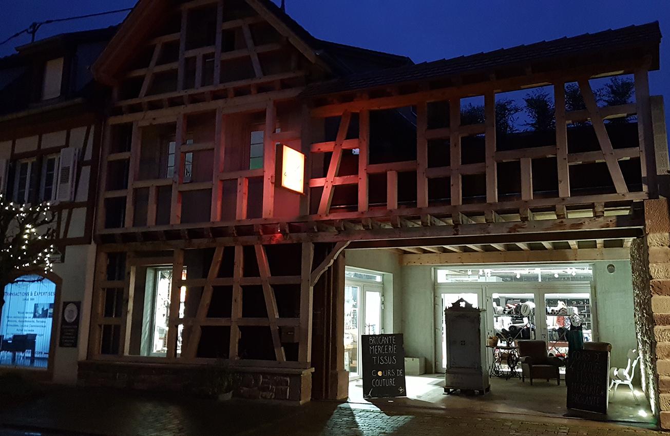 boutique de couture Strasbourg de nuit