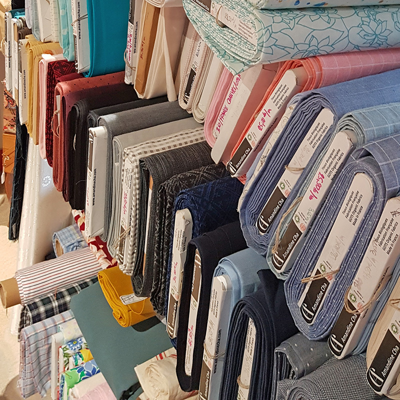 Les tissus sont bios, avec le label GOTS (Global Organic Textile Stand) ou certifiés OEKO-TEX stand 100